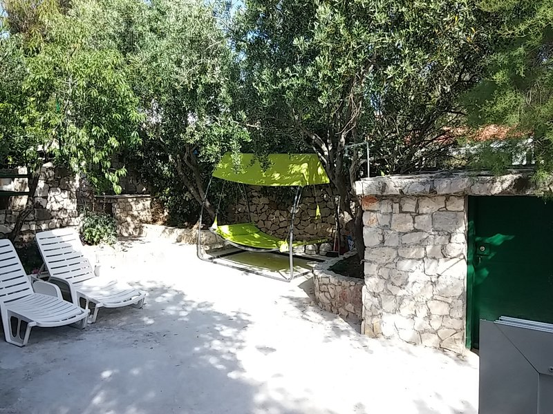 Ivica - charming house next to the sea H(2+2) - Sevid, vacation rental in Sevid