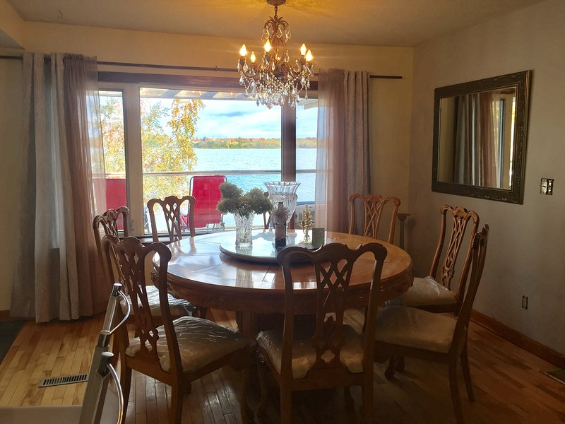 Paradise waterfront home in Scugog Island, holiday rental in Lindsay