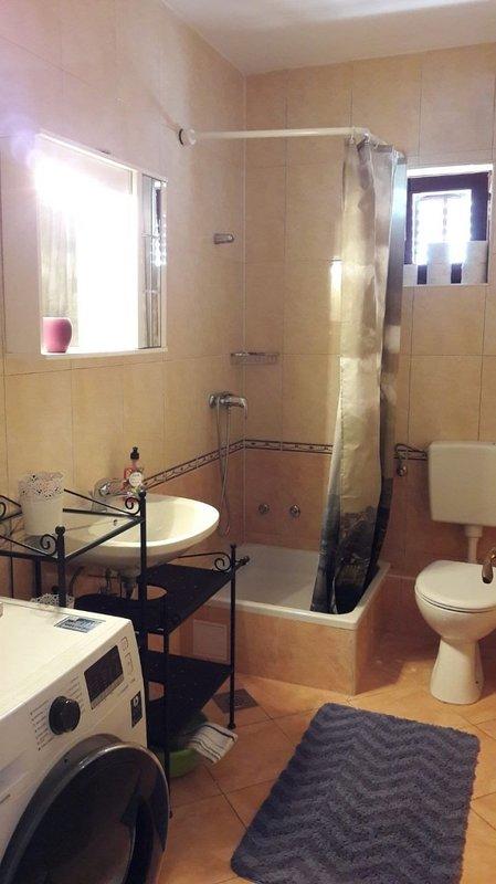A4 (2 + 2): banheiro com vaso sanitário