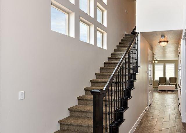 Corredor Principal e Escadas