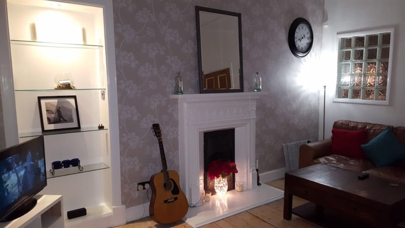 Lovely Victorian 2 bed apartment, holiday rental in Glasgow