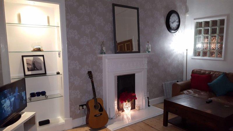 Lovely Victorian 2 bed apartment, location de vacances à Rutherglen
