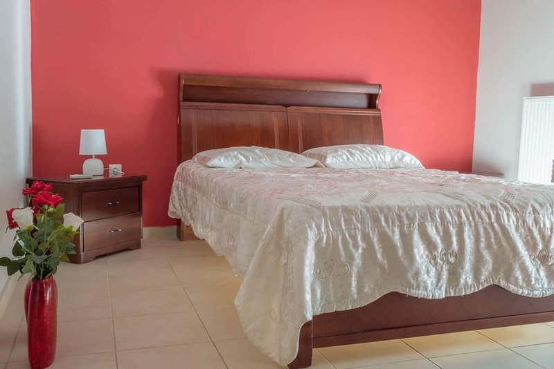 The master bedroom on te ground floor