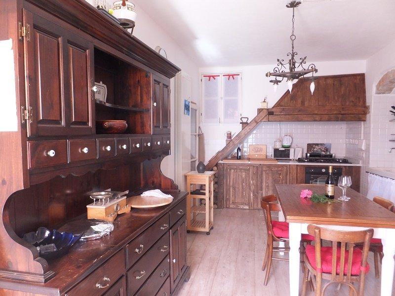 Appartamento Ma Se Ghe Penso (A) Sestri Levante 7 km dal mare vicino 5 Terre, holiday rental in Tavarone