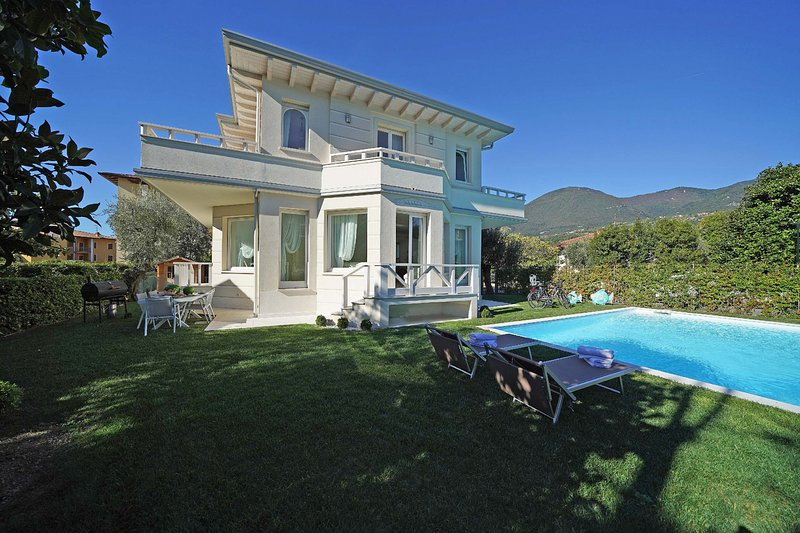 Villa Sabine, holiday rental in Toscolano-Maderno
