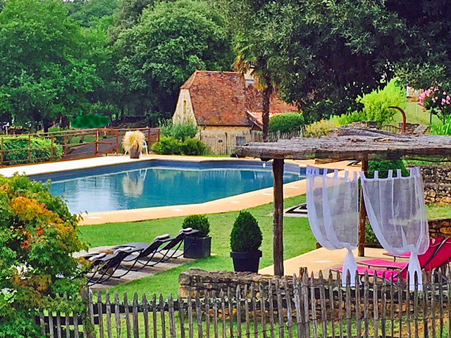 Charming gite overlooking the Dordogne valley in Sarlat Dordogne, holiday rental in Saint-Vincent-le-Paluel