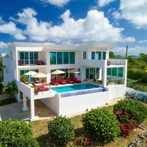 Tequila Sunrise Villa in Anguilla, vacation rental in Little Harbour