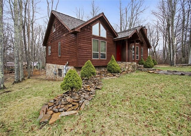 Wonderful location and lovely accommodations truly provide The Great Escape., holiday rental in Canaan Valley