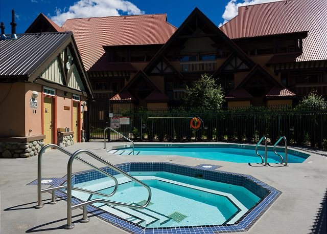 Stoneycreek Sunpath Pool and Hot tub