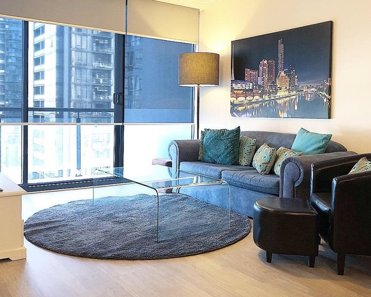 Comfortable contemporary spacious living in this 75 sqm high rise with Netflix Wi-Fi & parking incld
