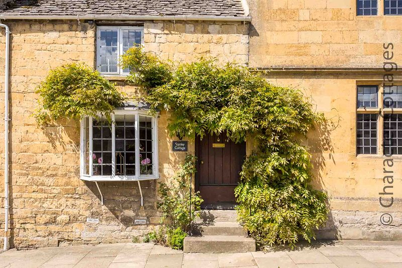 Stanley Cottage is a stunning Cotswold stone cottage in lovely Chipping Campden – semesterbostad i Chipping Campden
