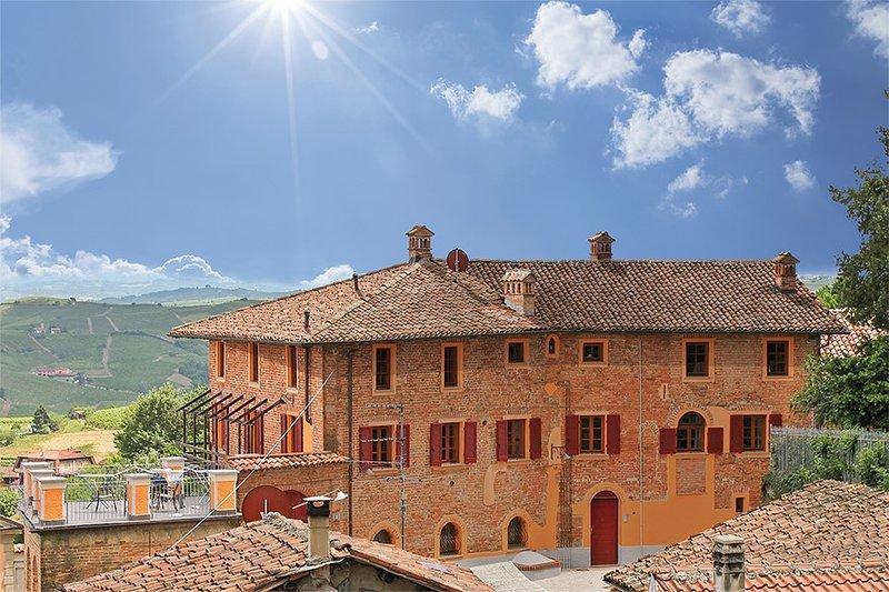 Villa Pesce, Mombaruzzo, holiday rental in Castel Boglione