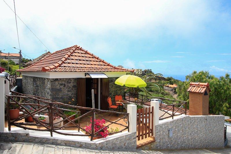 Casa Velha D. Fernando. Panoramic view. Free WiFi, holiday rental in Ribeira Brava