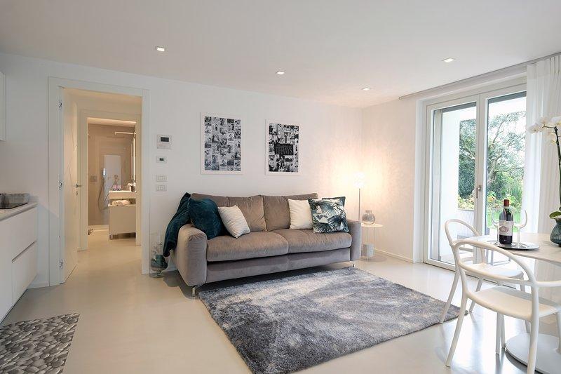 Relais Il Bacio del Sole - Apartment Superior in Villa, holiday rental in Quinto di Valpantena