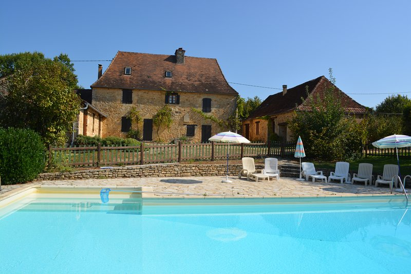 La Garde - Gite with shared pool with two other gites.