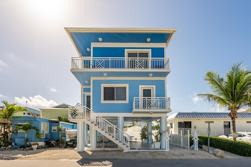 Awesome Brand New 3 Story Key Largo Home Has Housekeeping Included Home Interior And Landscaping Ferensignezvosmurscom