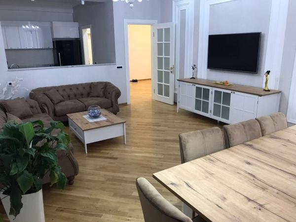 Cosy White Apartment, vacation rental in Azerbaijan