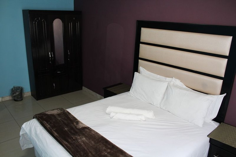 Angel guest house Family Double or Twin Room 2, holiday rental in City Deep