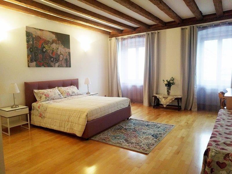 IN CENTRO A TRIESTE, aluguéis de temporada em Trieste