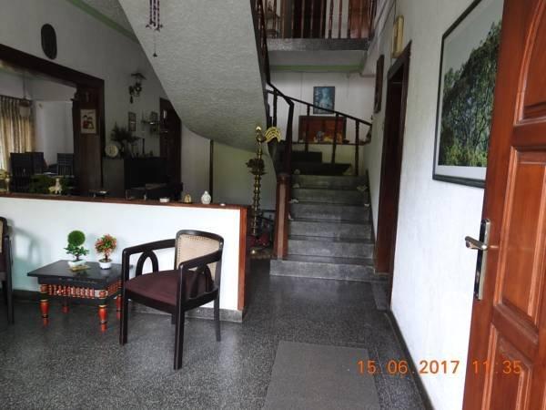Home stay B&B, location de vacances à Tennekumbura
