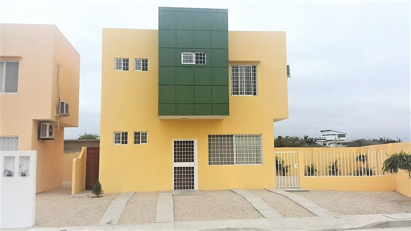 Alquilo Casa  en Playas Via Data por día, semana o mes $90 diarios, holiday rental in Guayas Province