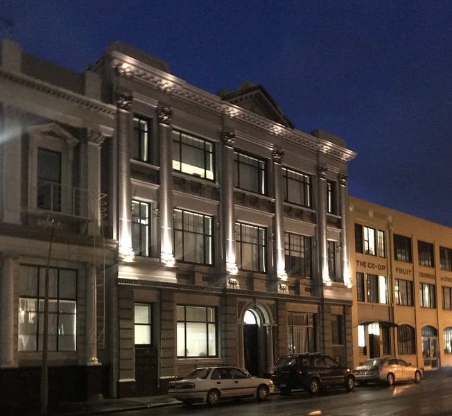 Bond Street Apartment Luxury 3-Bedroom, aluguéis de temporada em Dunedin