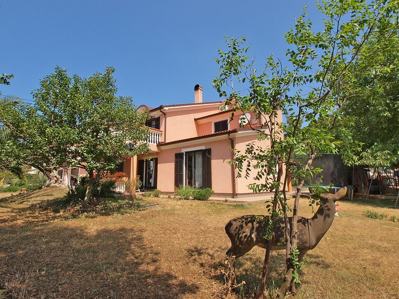 Apartment 1705, holiday rental in Stinjan