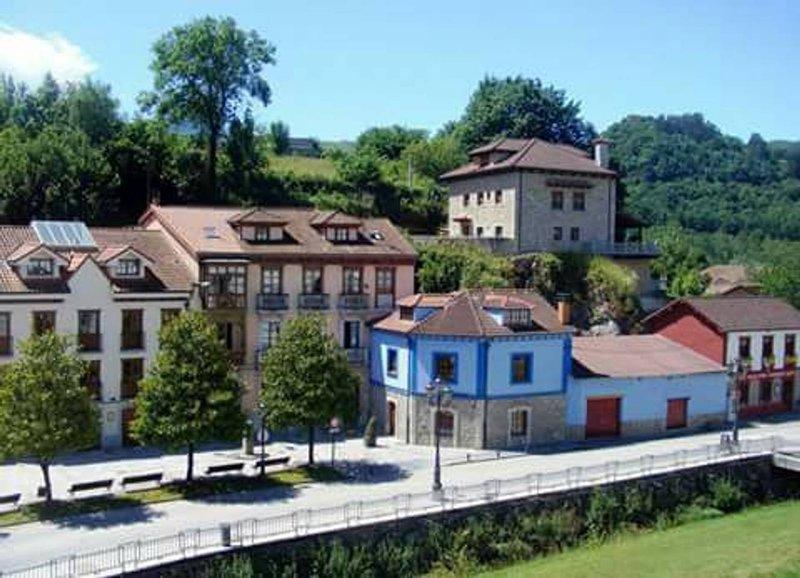 LA CASA AZUL DE LAS CALDAS, location de vacances à Oviedo