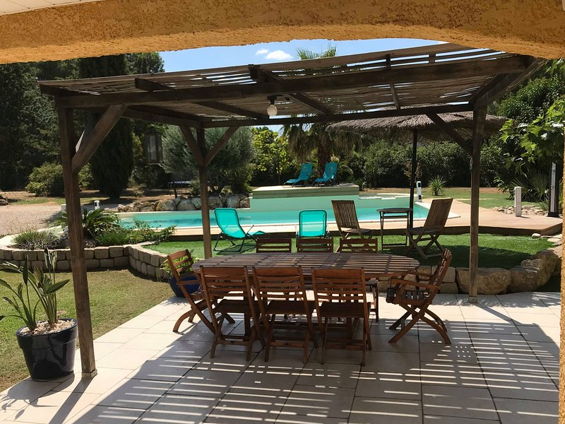 Big villa with swimming-pool & Wifi, holiday rental in Beziers