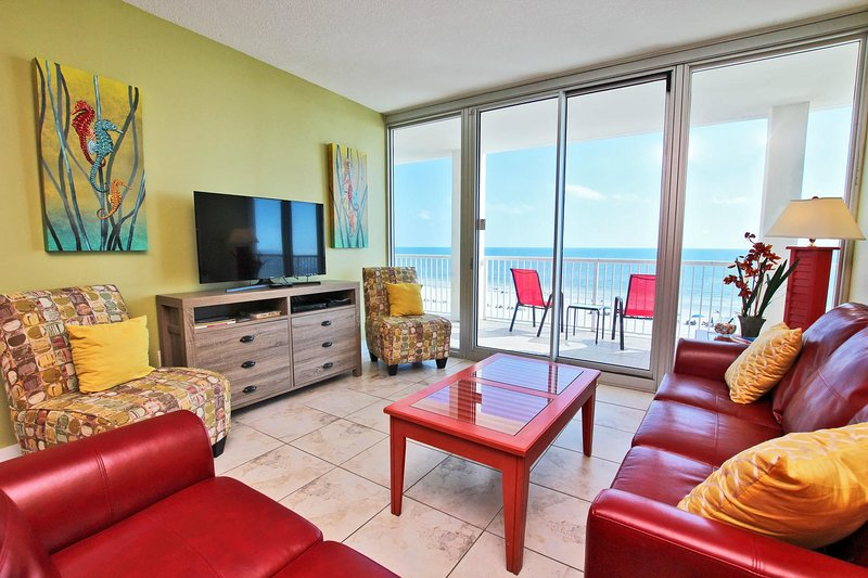 5. Etage Gulf Front Living Room