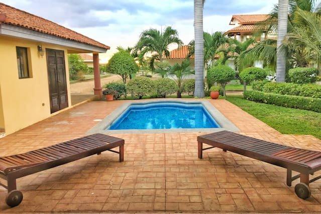 Casa Carolina Gran Pacifica Resort, alquiler vacacional en Departamento de Managua