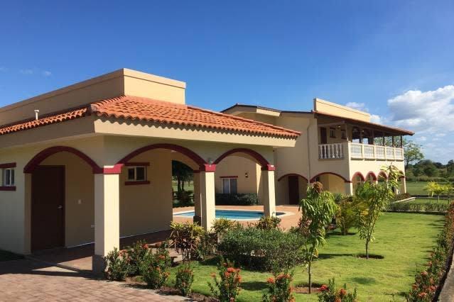 Casa Taylor Gran Pacifica Resort, alquiler vacacional en Departamento de Managua