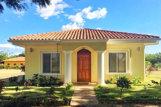 Casa Marinera Gran Pacifica Resort, alquiler vacacional en Departamento de Managua