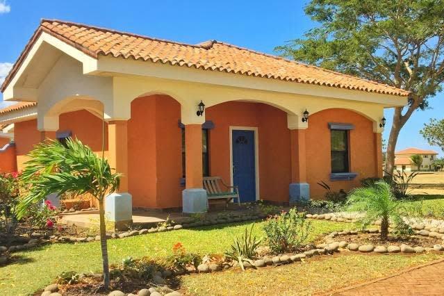 Casa Mariposa Gran Pacifica Resort, holiday rental in Pochomil