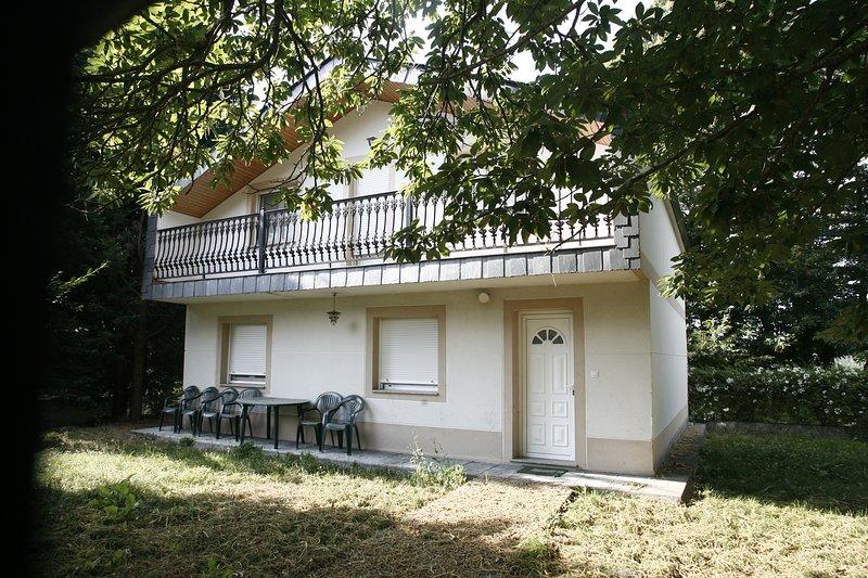 Spacious house with garden & Wifi, location de vacances à San Pedro