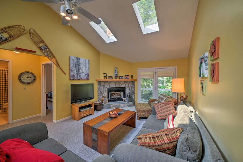 This 5-bedroom, 3-bath vacation rental sleeps up to 10 guests in McGaheysville.
