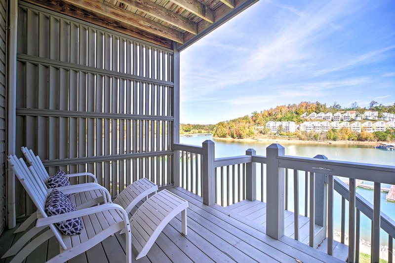Waterfront Condo on Norris Lake w/Boat Slip!, holiday rental in Duff