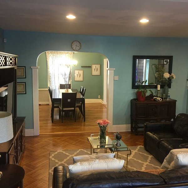 A&M SPACIOUS HOME AWAY, casa vacanza a Levittown