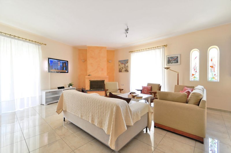 Family apartment at Glyfada close to the beach, holiday rental in Glyfada
