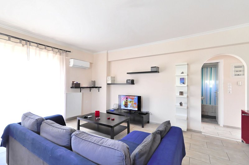 Brand new family apartment with Acropolis view, sleeps 5, holiday rental in Argyroupoli