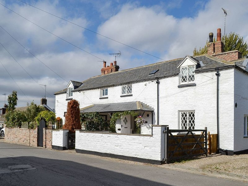 Thwaite Cottage, holiday rental in Withernwick