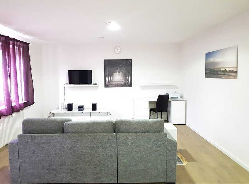 90m2 Wesel Apartment for Families/Groups, vacation rental in Rheinberg