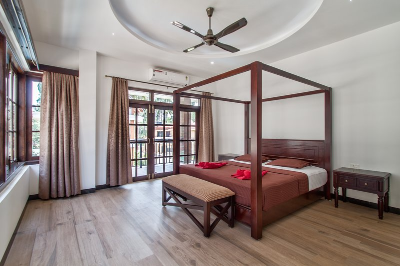 #VillaCalangute Phase 12- 5BHK House with an Open to Sky Bathroom, Carom Board, holiday rental in Calangute