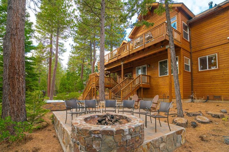 The grand Big Buck Lodge features practically as much outdoor living space as indoor, so you'll be able to enjoy the year-round sounds and sights of nature from anywhere around the home.