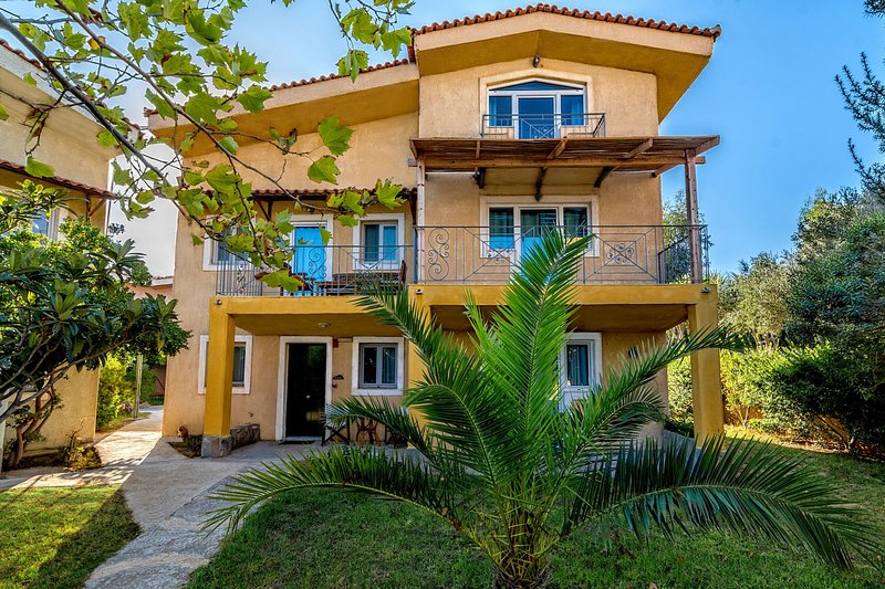 Villa side sew view in Small Village, holiday rental in Mandraki