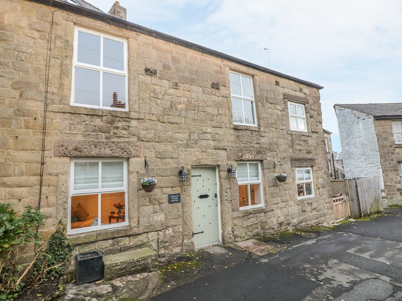 ARDEEVIN COTTAGE, Pets, WiFi, Buxton, holiday rental in Quarnford