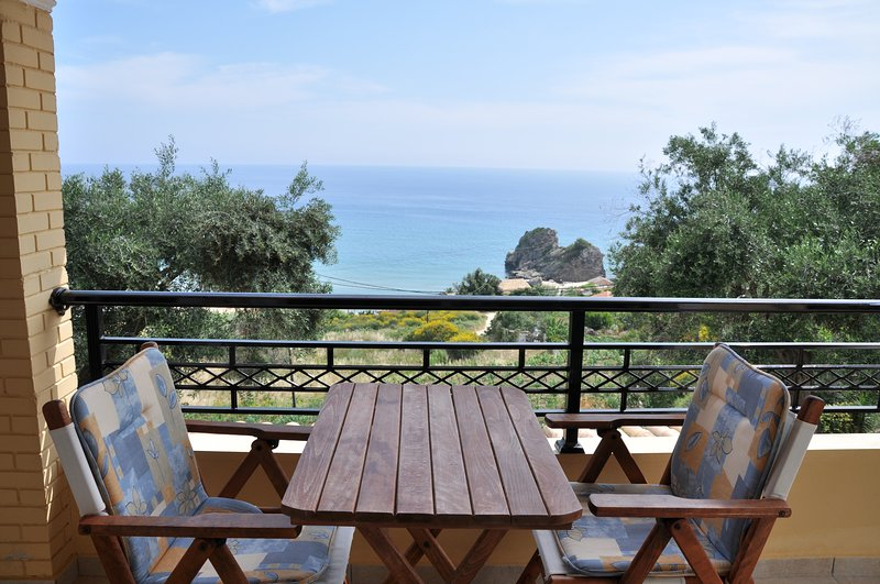 Comfortable Studio with sea view at Lidovois House in Pelekas Beach,Corfu., vakantiewoning in Pelekas