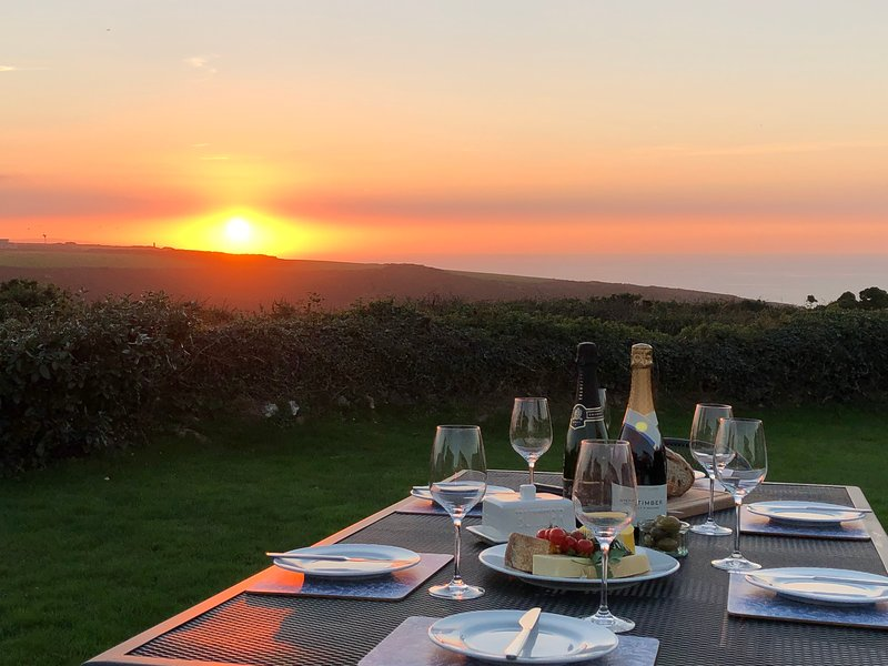 Ocean Sunset, Sleeps 5+1, Porthtowan, Cornwall