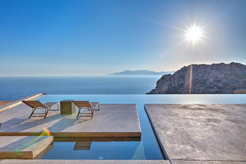 Mylo Villa 5 Bedrooms Sea View Villa Mylopotas Ios, holiday rental in Milopotas