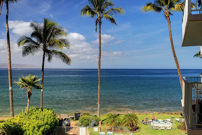 South Maui Oceanfront Condo! 2bd/2ba - Kamaole Nalu #304, vacation rental in Kihei
